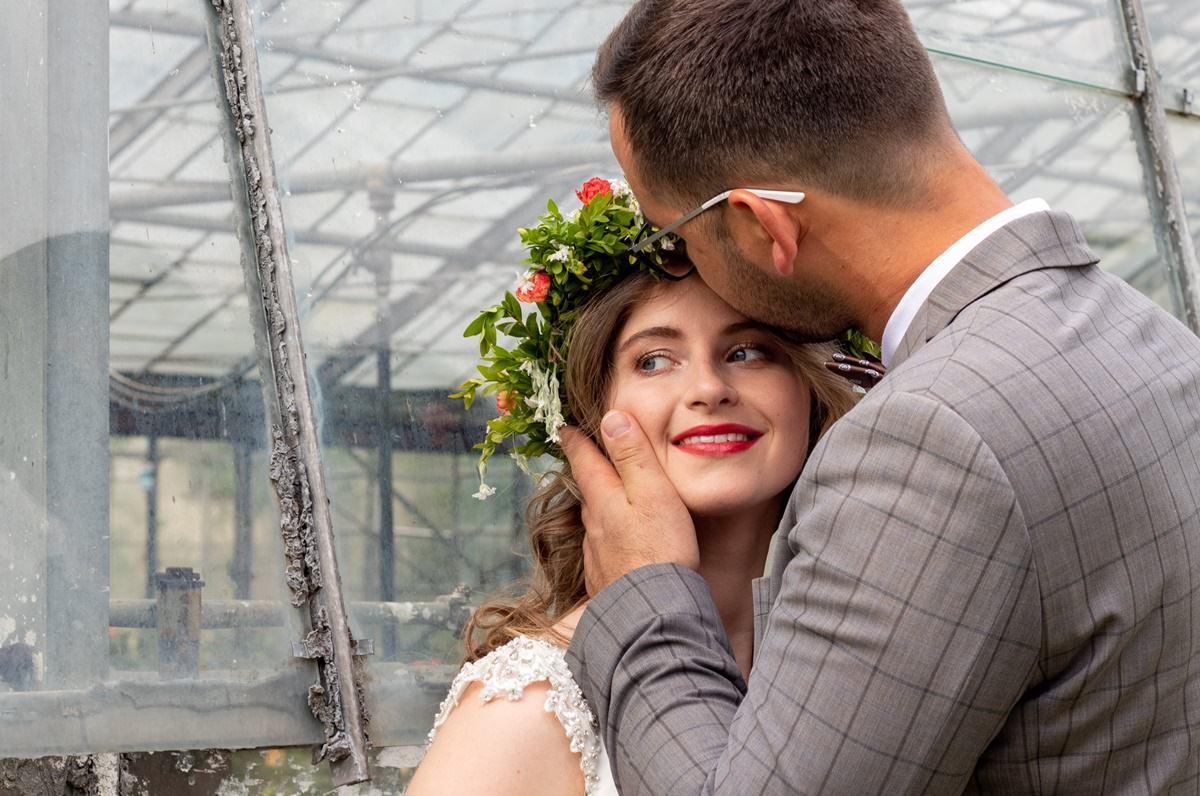 klimatyczna ślubna sesja zdjęciowa